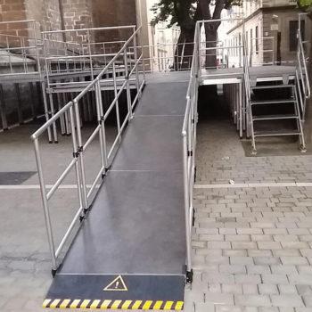 escenario-con-rampa